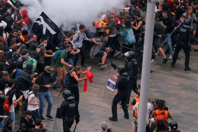 scontri armati indipendentisti catalani