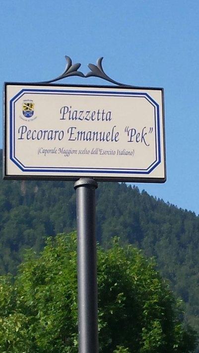 Una piazzetta dedicata ad Emanuele
